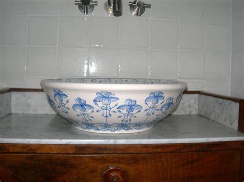 vasques en ceramiques ceramiques du beaujolais faiences
