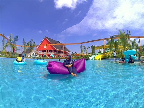 potret taman wisata merci  medan resort city segar