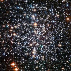 M4 Star Cluster: Hubble Telescope Photographs Core Located ...