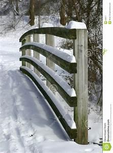 Balustrade En Bois : balustrade en bois photographie stock libre de droits ~ Melissatoandfro.com Idées de Décoration