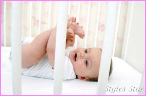 getting baby to sleep in crib how to get a baby to sleep in a crib stylesstar