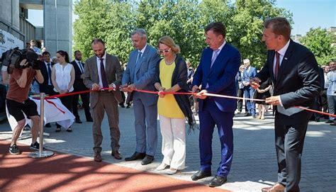 Svinīgā pasākumā atklātas atjaunotās Daugavas stadiona ...