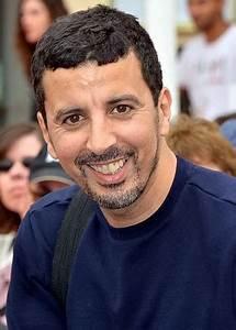 Samir Guesmi — Wikipédia  Samir