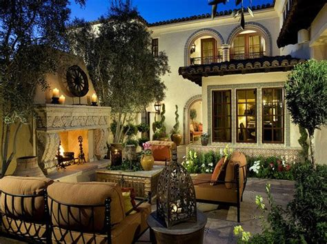 15 Traditional Courtyard Gardens Home Design Lover