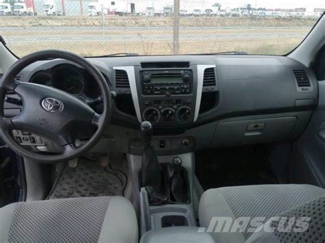 used toyota hilux 2 5d 4d doble cabina sr panel vans year 2006 price us 948 for sale