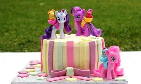 contoh gambar kue ulang  anak perempuan eva
