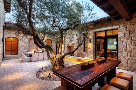 17 Stunning Mediterranean Patio Design Ideas