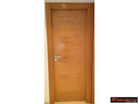 puerta interior roble ranurada