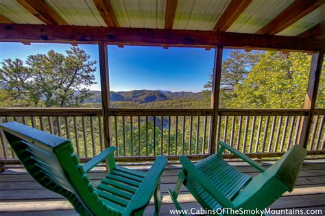 smoky mountain golden cabins pigeon forge cabin the golden jewell 4 bedroom sleeps 14