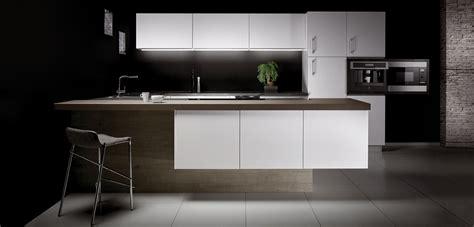 cuisine noir et blanc laqué cuisine laque blanche plan de travail gris autres vues