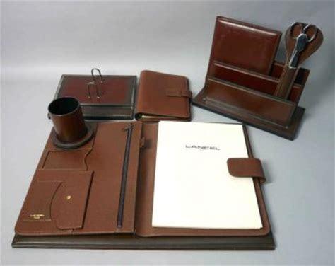 parure bureau ventes aux enchères lancel parure de bureau en cuir