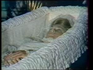 Grace Kelly Beerdigung : image result for diana in casket royality pinterest casket diana and princess diana ~ Eleganceandgraceweddings.com Haus und Dekorationen