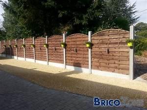 Faire Une Cloture En Bois : poser une palissade en bois de coffrage quelles fondations ~ Dallasstarsshop.com Idées de Décoration