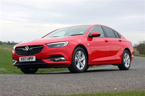 vauxhall insignia vauxhall insignia grand sport review 2017 parkers
