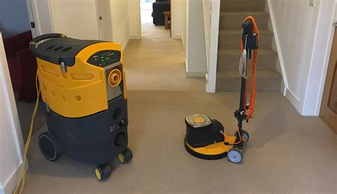 Choosing The Right Carpet Cleaning Machine For A New Business