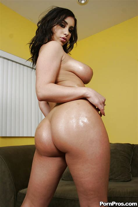 Busty Babe Whitney Stevens Getting Naked To Show Her Ass And Pussy