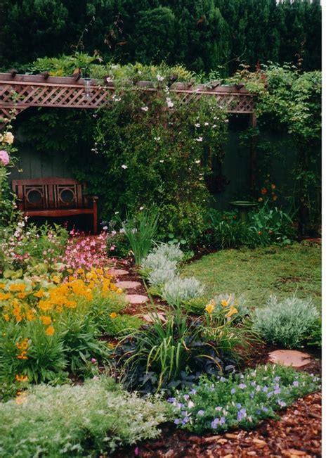 1000 ideas about backyard vegetable gardens on pinterest