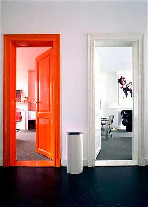 puertas de colores una simple  economica forma de
