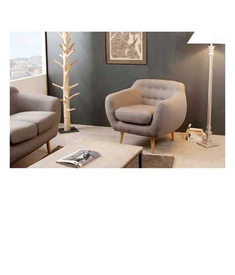béton ciré cuisine petit fauteuil en tissu taupe dossier capitonné delamaison