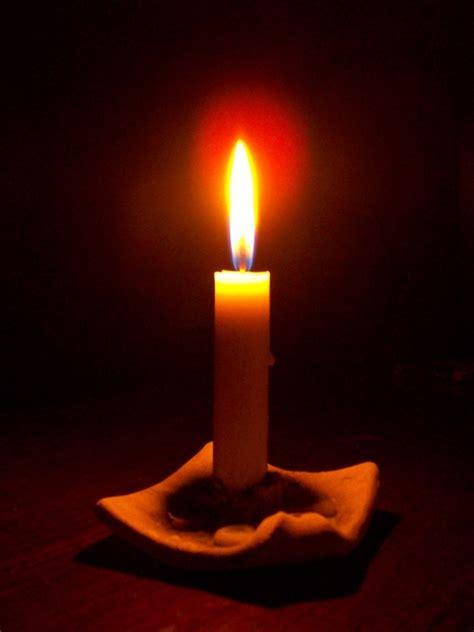 warung  nyala lilin habis gelap terbitlah terang
