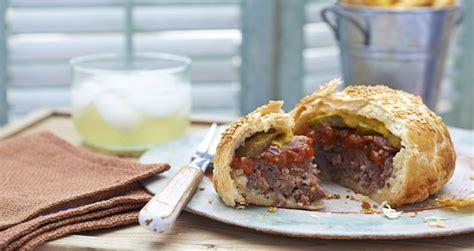 cuisiner un hamburger pie burger 5 façons de cuisiner des burgers en tarte cosmopolitan fr