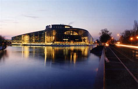 siege du parlement europeen catherine trautmann jeunes européens lyon