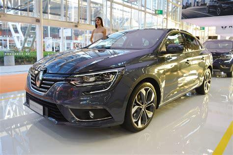 new renault megane sedan renault showcased new megane sedan at bologna motor show