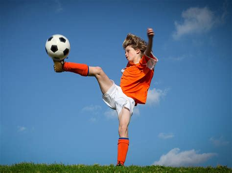 mal di testa bambini 10 anni calcio stop ai colpi di testa sotto i 10 anni bimbi