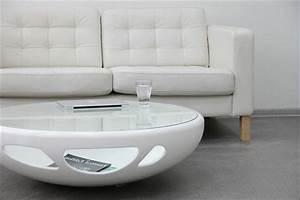 Couchtisch Weiß Mit Glas : designer couchtisch als stillvolen akzent in der wohnung ~ Markanthonyermac.com Haus und Dekorationen