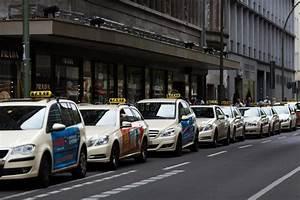 Taxi Berlin Kosten Berechnen : taxi en berl n imagen de archivo editorial imagen de ~ Themetempest.com Abrechnung