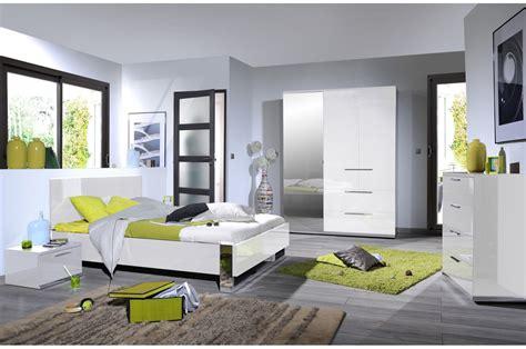 chambre a coucher adulte design chambre design laqu 233 blanche et chrome trendymobilier com