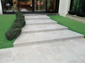 dallage calcaire travertin moka light creastone 4 formats 233 p 3 cm aspect vieilli creastone