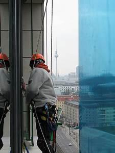 Dachrinne Reinigen Ohne Leiter : industrial climber new york climbing glass cleaning ~ Michelbontemps.com Haus und Dekorationen