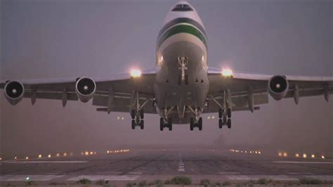 Evergreen Airlines 747 Supertanker - YouTube