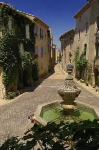 Venas Que France Village