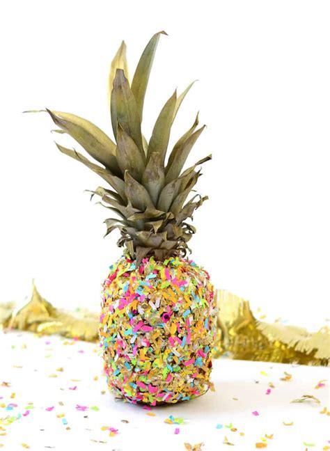 easy pineapple diy bookends     shelf diy candy