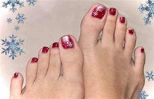 Best and easy christmas toe nail designs
