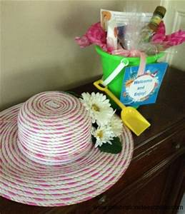 Hat decorating ideas - turn a plain straw hat into a
