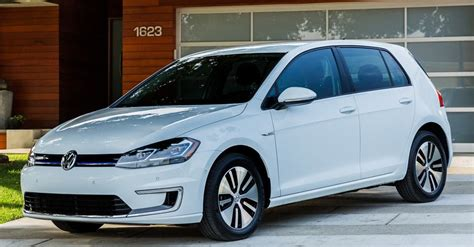 vw golf range of cars epa says all electric 2017 vw e golf has 125 mile range and returns 126mpg e