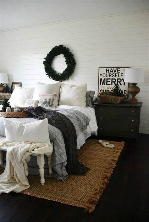 Orc master bedroom, week 6: Cozy Christmas Bedroom Decorating Ideas - Festival Around ...