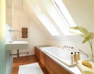 Ideen Für Kleine Badezimmer : badideen f r kleine b der mit dachschr ge ~ Bigdaddyawards.com Haus und Dekorationen