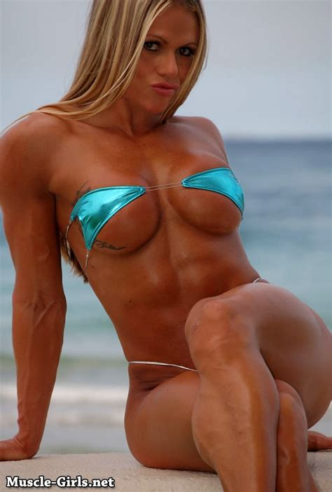 Beautiful blonde Fitness Goddess Larissa Reis bikini muscle on the beach | Muscle Girls