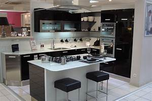 Cuisine amenagee avec ilot central conforama cuisine for Idee deco cuisine avec cuisine pas cher sur mesure