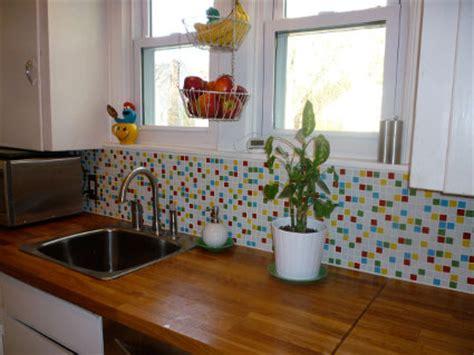 reforma instalar azulejos de cristal en la cocina