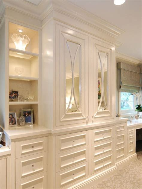 Bedroom Wall Cabinets by 25 Best Ideas About Bedroom Built Ins On