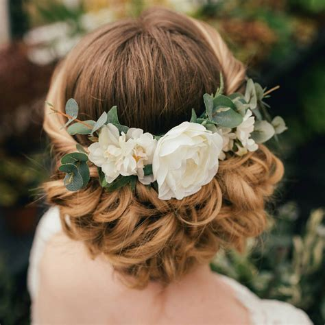 interested   wedding hair accessory