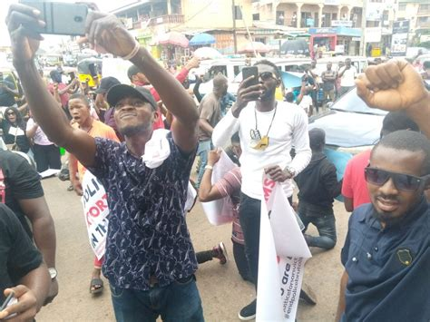 End SARS protesters ground Awka, demand prosecution of ex ...