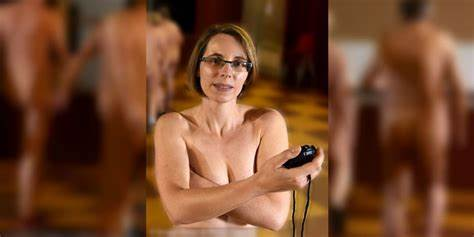 Bare Workout Spanish Ladies Personal Bartender Launches Naked Exercise School