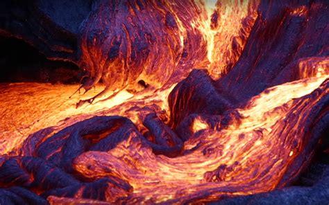 lava l blue blue lava erupt from hawaii s kilauea volcano