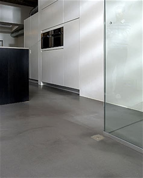 Betonnen Gietvloer Keuken by Gietvloer Keuken U Zoekt Een Gietvloer Voor Uw Keuken